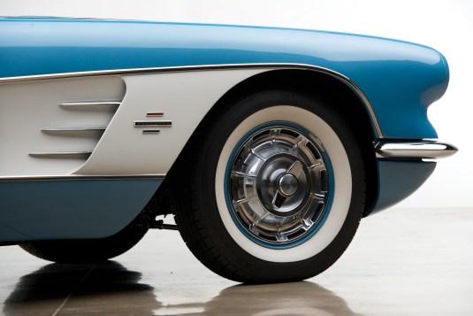 @1961 Chevrolet Corvette - 3