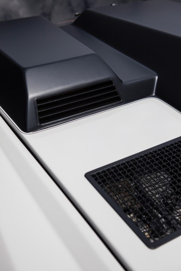 @1988 Lamborghini LM002 - 12