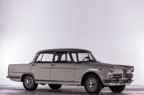 1960 Alfa Romeo 2000 Berlina 1