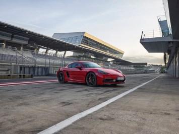 @Porsche 718 GTS - 8