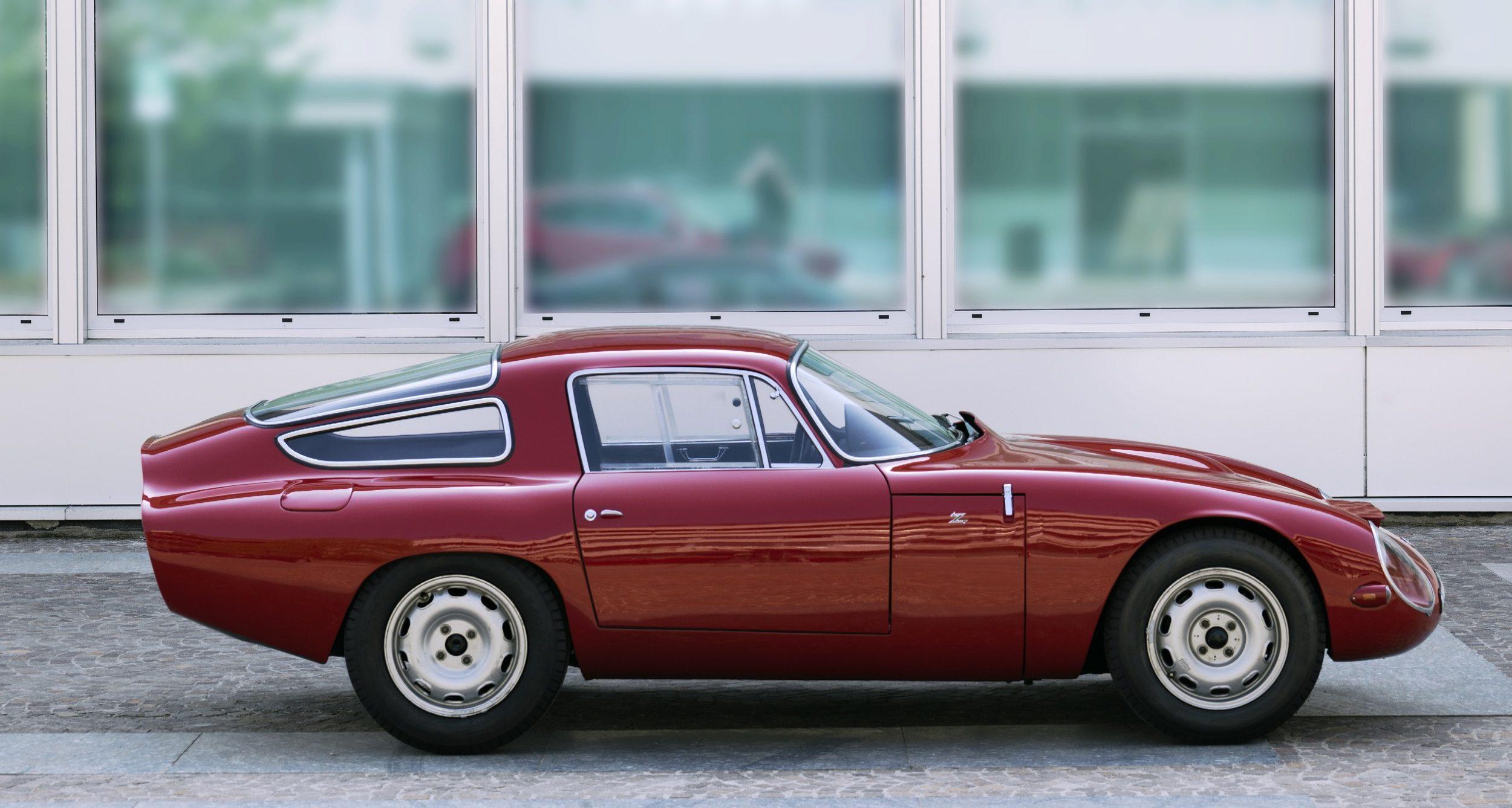 Alfa Romeo Spider Right Door Exterior Window Sweep Stainless Steel trim stripe