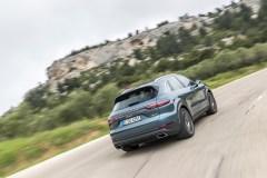 @Porsche Cayenne E-Hybrid - 1
