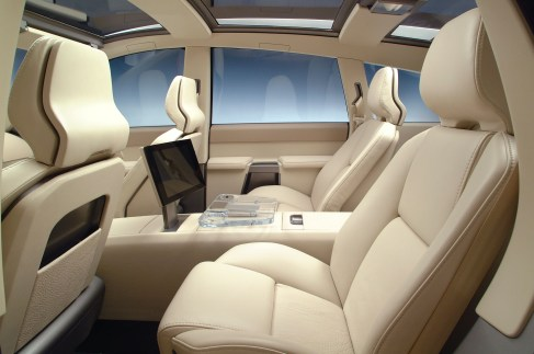 7020_Volvo_ACC_Adventure_Concept_Car