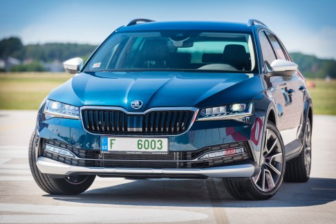 @Skoda Superb Scout - 15