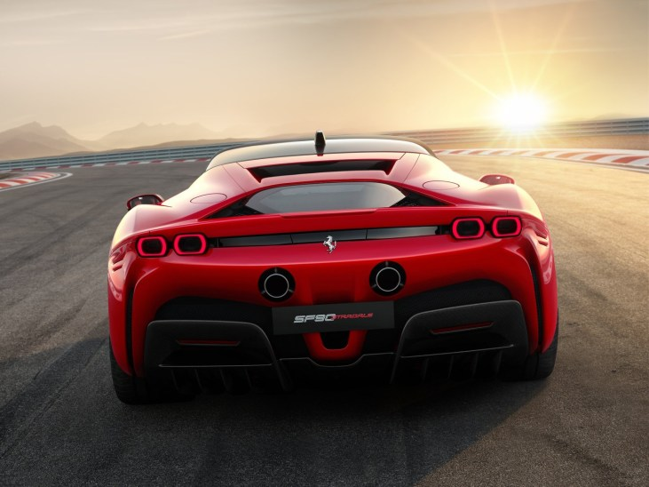 Ferrari-SF90_Stradale-2020-1600-06