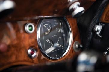 @1939 Lagonda V-12 Drophead Coupe - 35