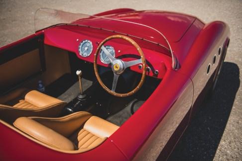 @Ferrari 225 Sport Spider Vignale - 21