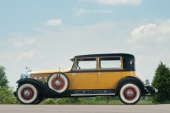 @1930 Cadillac Sixteen Madame X Club Sedan Fleetwood-72705 - 3