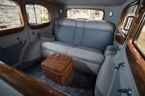 @1933 Cadillac V-16 Seven-Passenger Sedan - 9