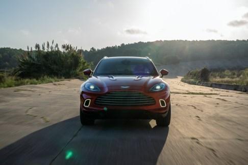 @Aston Martin DBX - 13