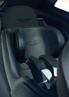 @Aston Martin DBX - 25