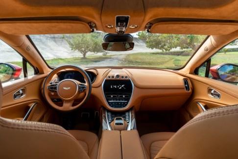 @Aston Martin DBX - 3