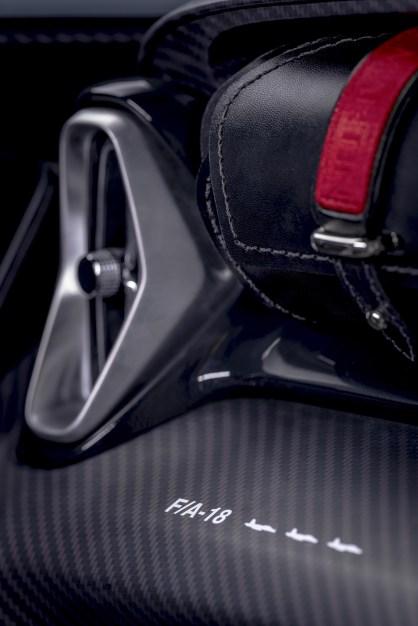 @Aston Martin V12 Speedster - 9