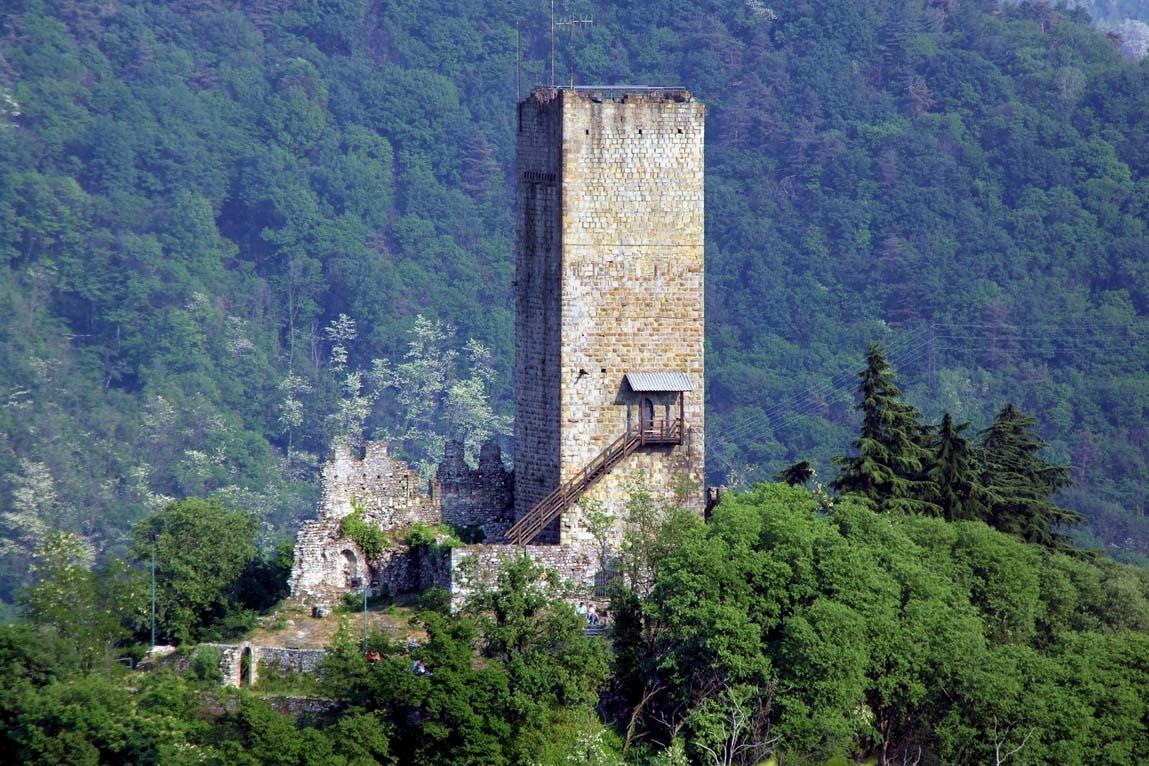 Il Baradello sulle colline sopra Como, dove si ritiene abbia soggiornato il Barbarossa