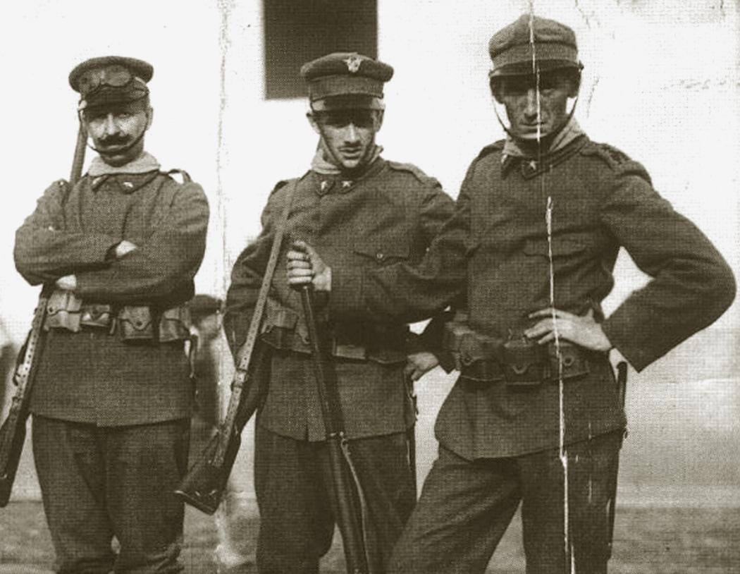 Marinetti e Sant'Elia nell'esercito.