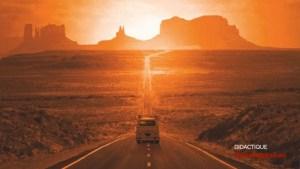 """Quel che resta della scuola: """"Une voiture bleue dans le désert"""""""