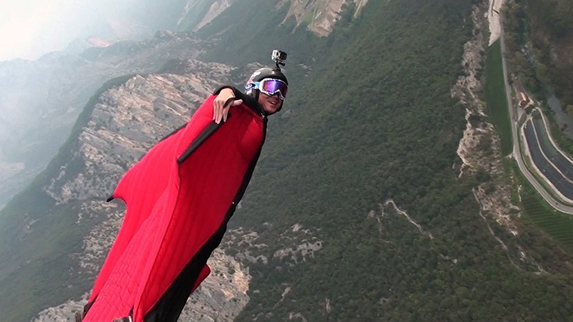 Watch: Record-Setting Chinese Wingsuit Pilot Zhang Shupeng Rockets through the Avatar Mountains