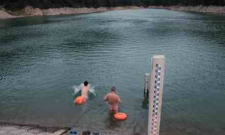 Photo of the day: Skinny Dipping in Yiwu