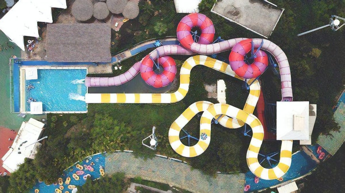 Summer in Shanghai means crazy hot days and over crowded community pools. Without the luxury of a backyard pool, many flock to Happy Valley in Sheshan to cool off... like Froot Loops.
