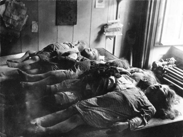 Enfants décédés éboulement à la morgue.