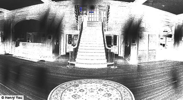 Stanley Hotel fantômes et escalier - mode négatif