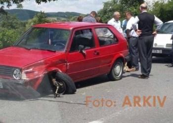 aksident golf pikap