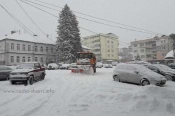 Bora vështirëson qarkullimin rrugor në Dragash