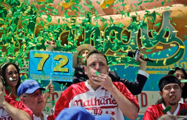 Joey Chestnut Sets World Record, Wins 10th Nathan's Hot ...