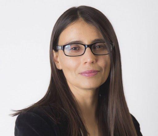 Lorena Flores.