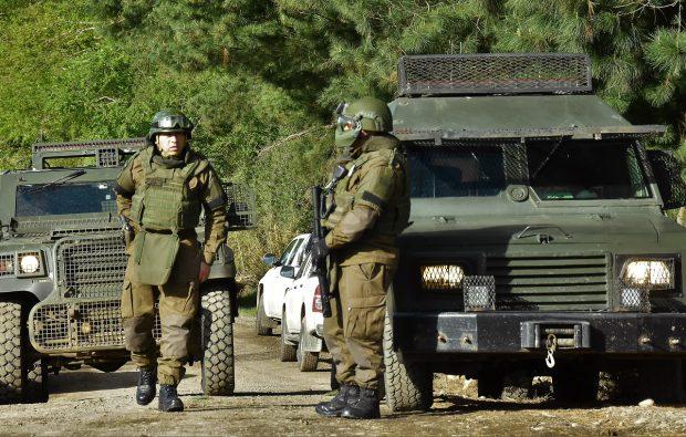 En los últimos días y a petición del ministro del Interior, se han desarrollado patrullajes mixtos entre personal de Carabineros, la Policía de Investigaciones y el Ejército para evitara tentados en La Araucanía. Foto: Agencia UNO.