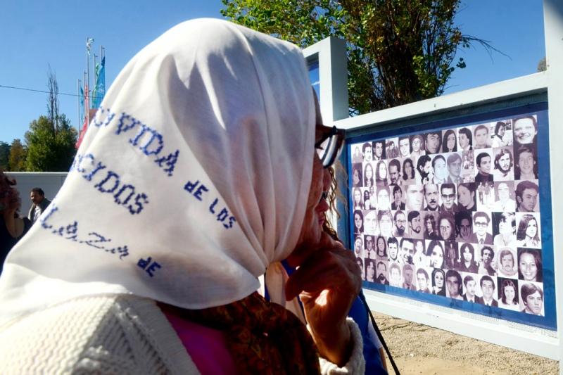 Homenajes, caravanas y actos virtuales en las provincias por el Día de la Memoria - Radio 3 Cadena Patagonia