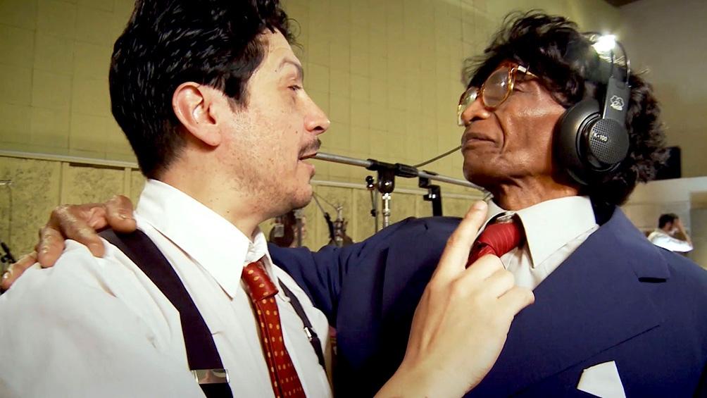 Sergio Pángaro con Moacir, en la primera de las entregas., en 2012.