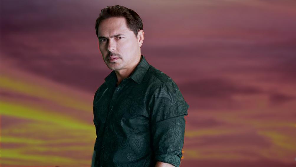 En la serie, Lucho Velasco es el doctor Manuel Castro, rol por el que ganó el premio India Catalina 2020 como Mejor actor antagónico de serie o telenovela.