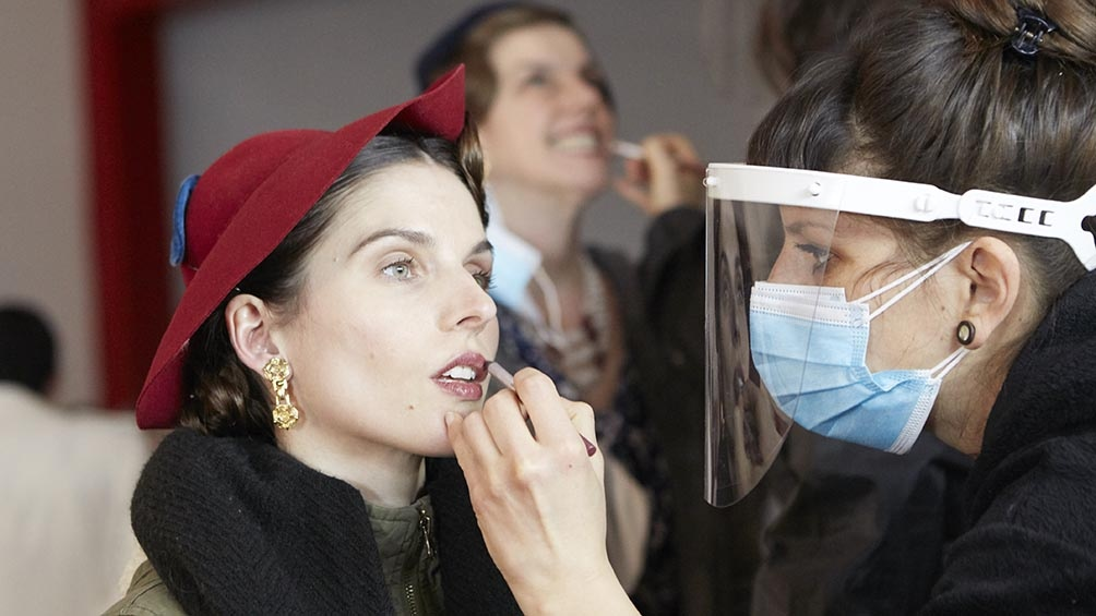 """El maquillaje, un punto clave en la recreación de """"Santa Evita"""""""