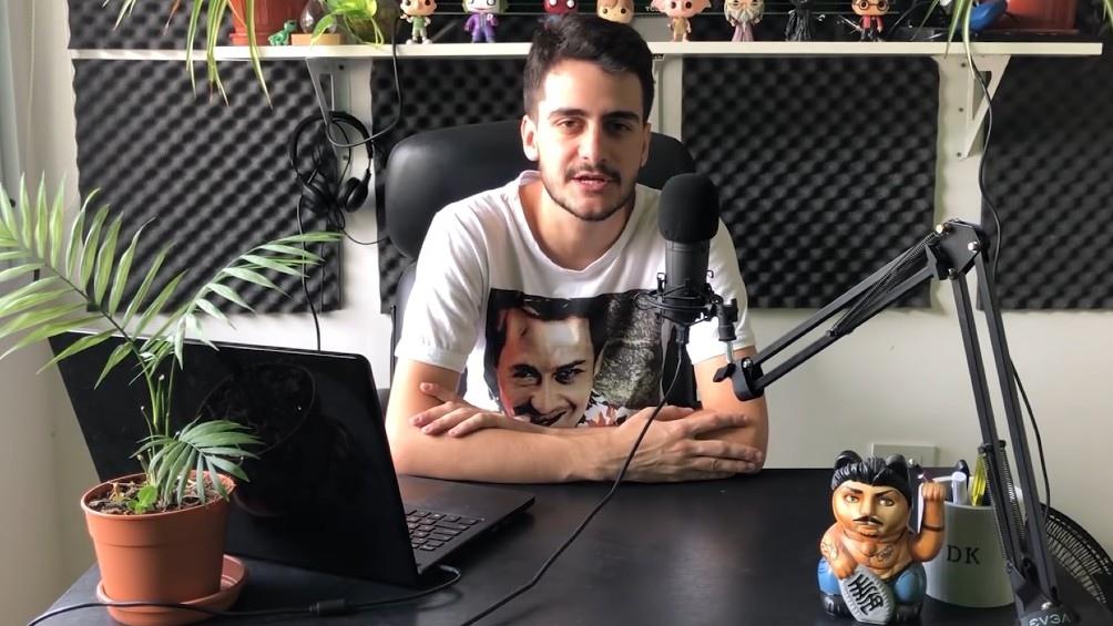 """Damián Kuc, presentador de """"Basta chicos: la vida de Ricardo Fort"""", el podcast documental original de Spotify"""