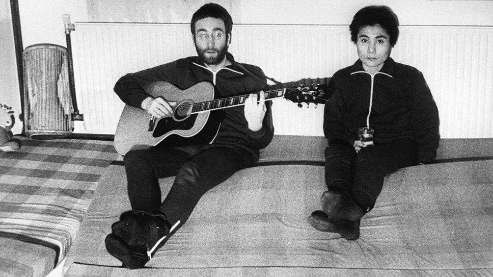 """""""Fue rara la gestión de Yoko por los cambios en la autoría porque él ya no estaba para decidir"""", señala Fernando Blanco, coautor del libro Beatlend."""