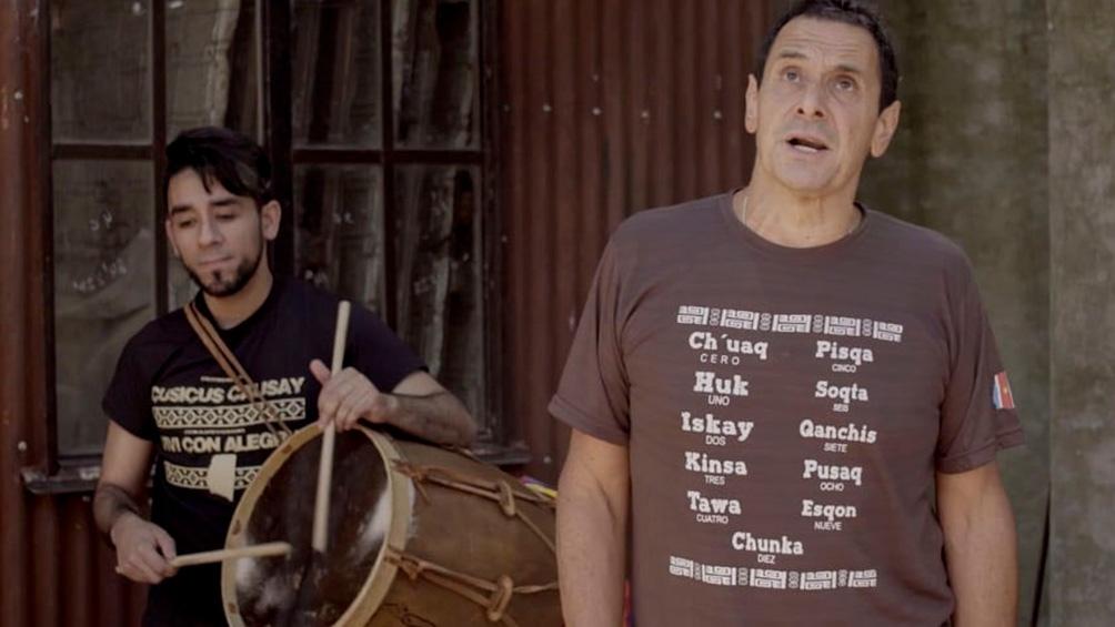 Ricardo Mollo en el filme dedicado al cantante y compositor Daniel Toro.