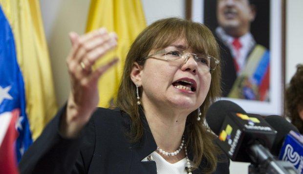 ECUADOR EXPULSA A EMBAJADORA DE VENEZUELA.