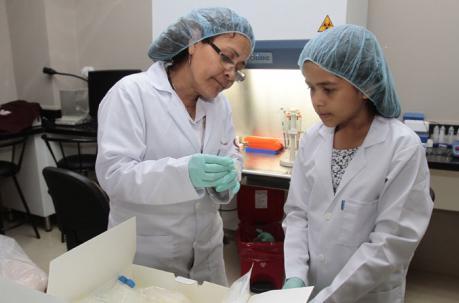 MAITE PAZMIÑO CON 12 AÑOS YA EMPEZÓ EL PREUNIVERSITARIO EN MEDICINA.