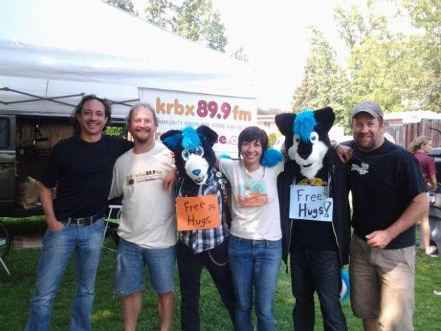 RadioBoise_FreeHugs_HydeParkStreetFaire_2010