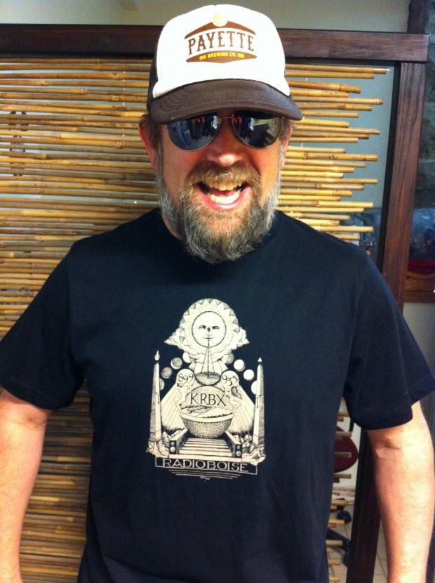 RadioBoise_Kevin-Modeling-Shirt_2012