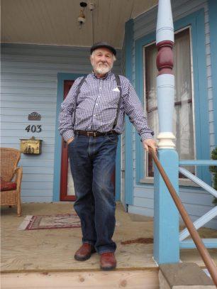 Frank Eld Outside House