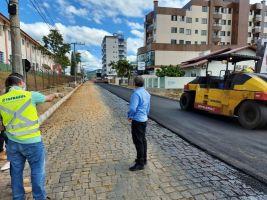 Rua Otaviano Dadam começa a receber asfalto