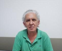 Altair Bento de Souza é sapateiro há 50 anos