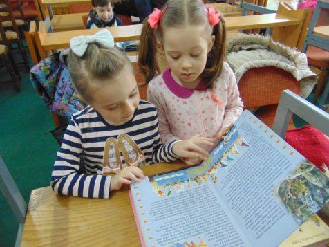 ora de poveste la Biblioteca Județeană satu Mare