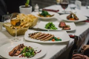 S-au redeschis restaurantele cu unele restricții