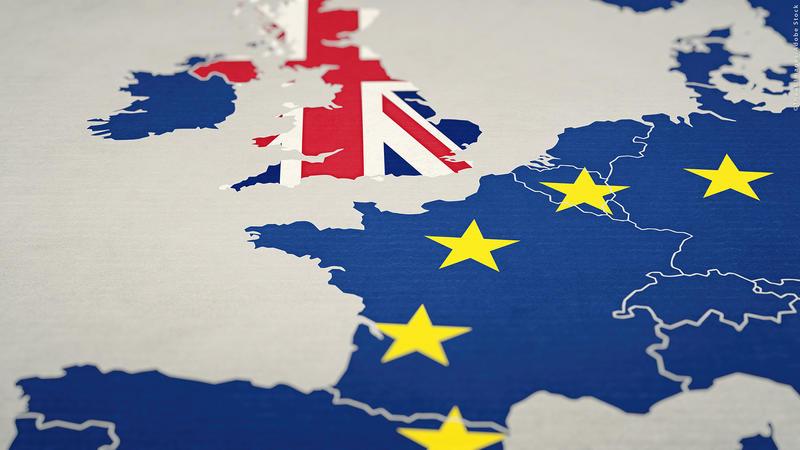 Din 10 octombrie vom călători în Regatul Unit doar cu pașaport