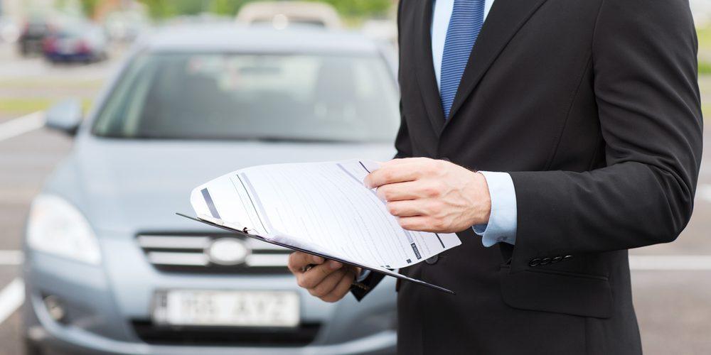 Foștii proprietari pot continua să primească amenzi pentru mașini pe care le-au vândut. Cum poți radia un autoturism dacă noul proprietar nu îl înregistrează pe numele său