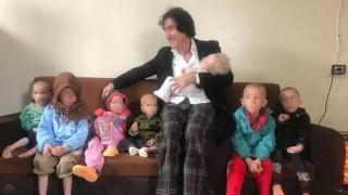 Final feliz: niños con ascendencia chilena abandonan Siria y llegan a Suecia con su abuelo