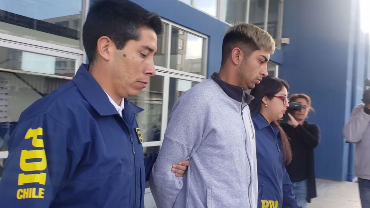 """PDI detiene a hombre apodado """"El Nico"""", imputado de un homicidio en la vía pública en Chiguayante."""